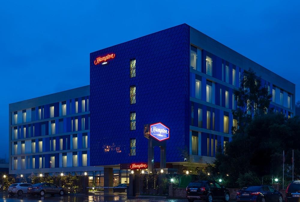 Hampton By Hilton Hotel (4 Yıldız)